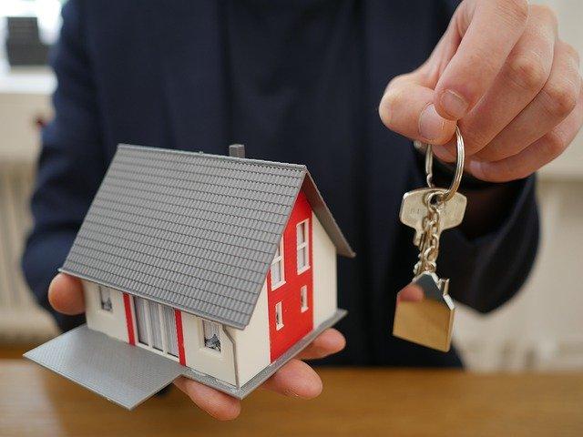 Disfruta de un amplio seguro para caseros, con respaldo y tranquilidad